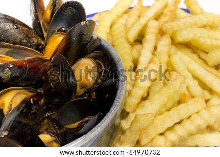Mussels and Fries Side View