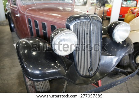 NAKHONPHATHOM-THAILAND-May 2 : The old and vintage cars show in Jessada Technique Museum on May 2,2015 Nahkonprathom Province, Thailand - stock photo
