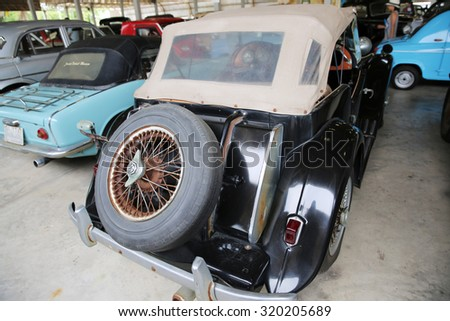 NAKHONPHATHOM-THAILAND-May 2 : The old and vintage cars show in Jessada Technique Museum on May 2,2015 Nahkonprathom Province, Thailand