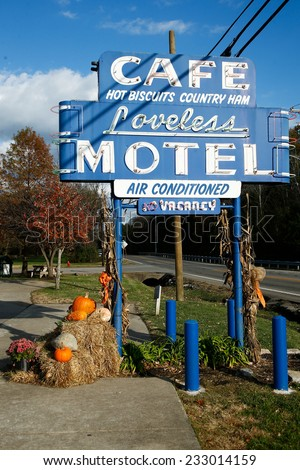 NASHVILLE, TN-NOV 6, 2014: The Loveless Motel and Cafe is located in Nashville, Tennessee on Highway 100. Known for southern style cooking, and is famous for biscuits, country ham, and red-eye gravy.
