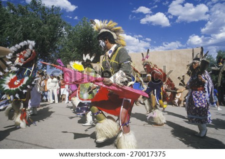 photo a native american woman in traditional costume at
