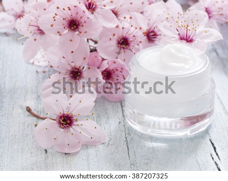 natural facial cream, fresh as spring flowers - stock photo
