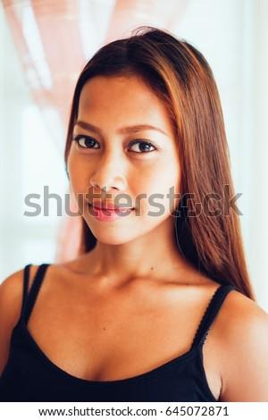 Teen hand in vagina