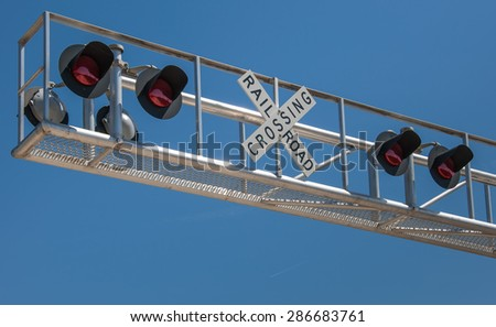 New overhead railroad crossing signal