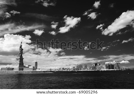 New york and Statye of Liberty in black and white