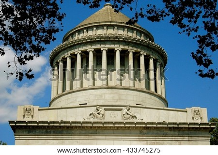 New York City - August 16, 2004:  Neo-classical-style dome with doric columns atop Grant's Tomb on Riverside Drive