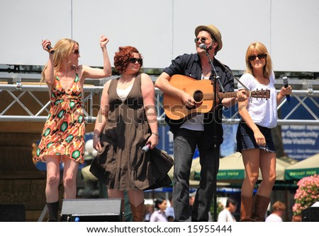 NEW YORK - 17: Jeb Brown, Lauren Kennedy, and others Performed in the Pure Country - The Broadway at Bryant Park in NYC - a free public event on July 17, 2008 - stock photo