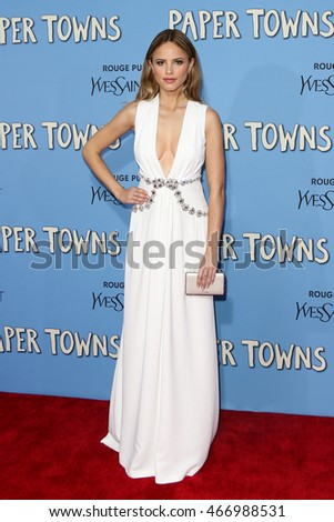 "NEW YORK-JUL 21: Actress Halston Sage attends the ""Paper Towns"" premiere at AMC Loews Lincoln Square on July 21, 2015 in New York City."