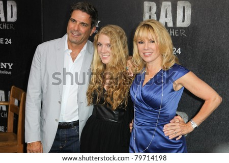 "NEW YORK - JUNE 20: Mario Singer, Avery Singer and Ramona Singer attend the premiere of ""Bad Teacher"" at the Ziegfeld Theatre on June 20, 2011 in New York City."