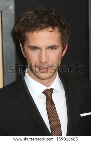 "NEW YORK - NOV 18: James D'Arcy attends the premiere of ""Hitchcock"" at the Ziegfeld Theatre on November 18, 2012 in New York City."