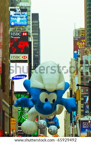 NEW YORK - NOV 25 : Thanksgiving Parade goes through 7th Avenue and Broadway on November 25, 2010 in New York. - stock photo