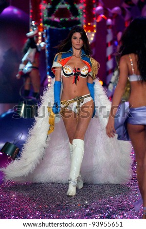 NEW YORK - NOVEMBER 9: Victoria's Secret Fashion model Marija Vujovic walks the runway during the 2010 Victoria's Secret Fashion Show on November 9, 2005 at the Lexington Armory in New York City.