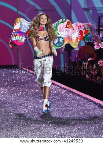 NEW YORK - NOVEMBER 19: Victoria's Secret Fashion Show model Behati Prinsloo on November 19, 2009 at the Lexington Armory in New York City.