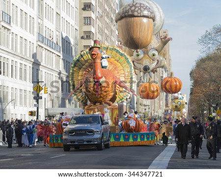 New York, NY USA - November 26, 2015: Atmosphere at the 89th Annual Macy's Thanksgiving Day Parade on Columbus Circle - stock photo
