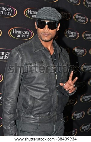 NEW YORK - OCTOBER 7: Don Omar arrives at the Hennesy Artistry 2009 Series finale red carpet at Terminal 5 on October 7, 2009 in New York. - stock photo
