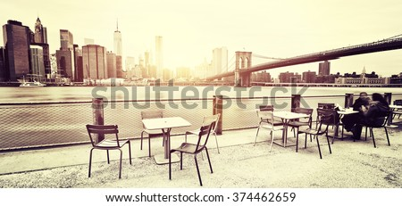 New York - Panoramic view of Manhattan Skyline and Brooklyn Bridge