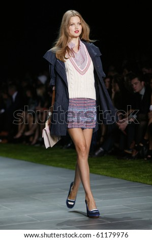 NEW YORK - SEPTEMBER 12: Lindsey Wixson is walking the runway at the Tommy Hilfiger collection presentation for Spring/Summer 2011 during Mercedes-Benz Fashion Week on September 12, 2010 in New York