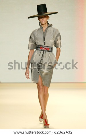 NEW YORK - SEPTEMBER 13: Model Anja Rubik walks the runway at Carolina Herrera collection presentation for Spring/Summer 2011 during Mercedes-Benz Fashion Week on September 13, 2010 in New York