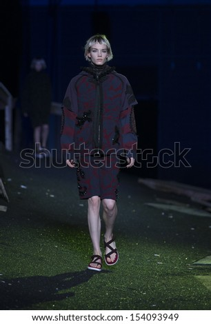 NEW YORK - SEPTEMBER 12: Model walks runway during Spring/Summer 2014 Fashion week for collection by Marc Jacobs at Lexington Avenue Armory on September 12, 2013 in New York