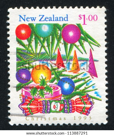 NEW ZEALAND   CIRCA 1993: Stamp Printed By New Zealand, Shows Christmas Tree  Decoration