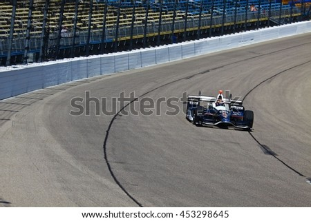 Newton, Iowa USA - July 9, 2016: Verizon IndyCar Series Iowa Corn Indy 300. Race drivers and teams practice before the race. Alexander Rossi #98, Andretti Autosport, Castrol Edge, Curb Records