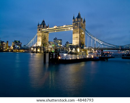Night shot of famous London Tower Bridge