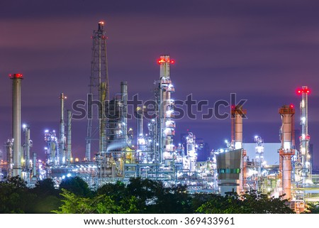 Night view of Oil refinery plant in the industrial area.