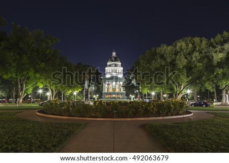 Night view of the California State Capitol building in downtown Sacramento.