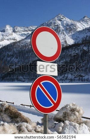 No entry traffic sign in the snow