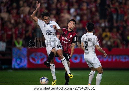 NONTHABURI THAILAND-FEBRUARY 21:	Diogo Luís Santo no.40 (L) of Buriram United in action during Thai Premier League between Muangthong Utd.and Buriram United at SCG Stadium on Feb 21, 2015,Thailand - stock photo