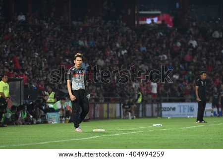 NONTHABURI-THAILAND MAR9:Anurak Srikerd Coaches of Bangkok Glass FC in action during Thai Premier League 2016 Muangthong Utd and Bangkok Glass FC at SCG Stadium on March 9,2016 in Nonthaburi,Thailand - stock photo