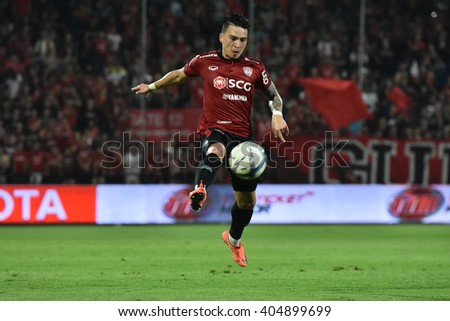 NONTHABURI-THAILAND MAR9:Tristan Do  of Muangthong Utd in action during Thai Premier League 2016 Muangthong Utd and Bangkok Glass FC at SCG Stadium on March 9,2016 in Nonthaburi,Thailand - stock photo