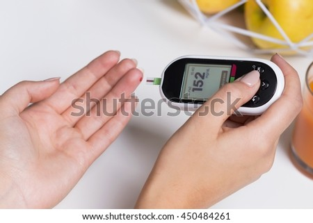 Normal sugar level in blood at diabetic girl
