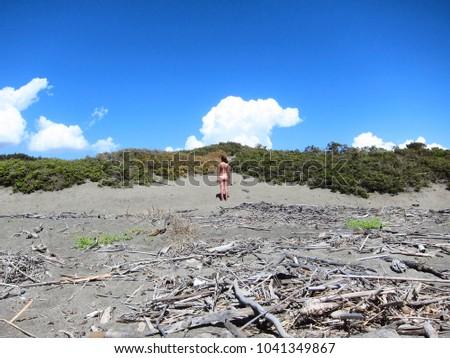 nature-mud-nude