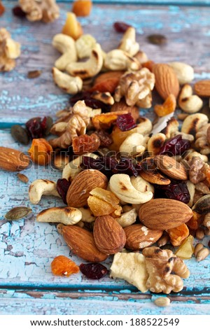 Nuts and Seeds for a Healthy trail mix
