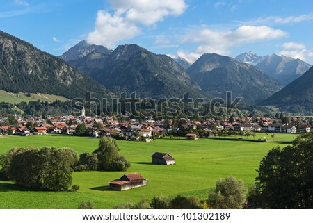 Oberstdorf with Allgäuer Alps in background (Allgäuer Alps, Bavaria, Germany).