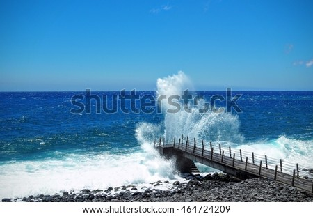Ocean and its wave on Madeira