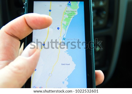is it free to use maps on iphone