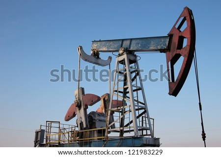 Oil production in the winter. oil pumps