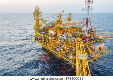 oil production platform on the sea
