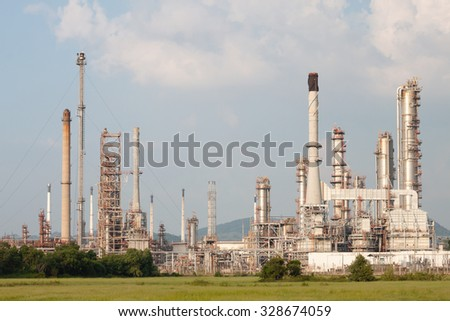 Oil refinery, petrochemical plant at industrial estate - stock photo