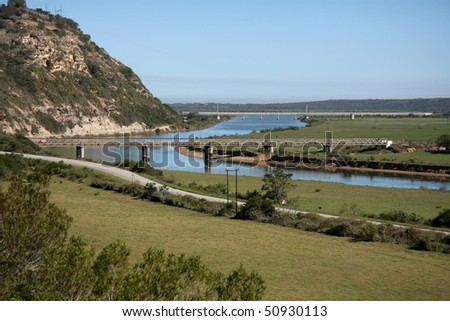 Old and new bridges over the Gamtoos River in South Africa