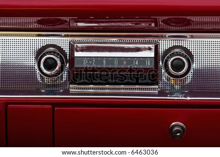Old car audio in a american car