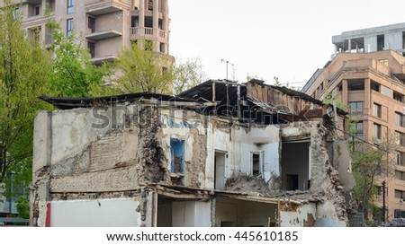 Mumbai india 31 august 2009 rooftops stock photo 542548714 for Mezzo classic house yerevan