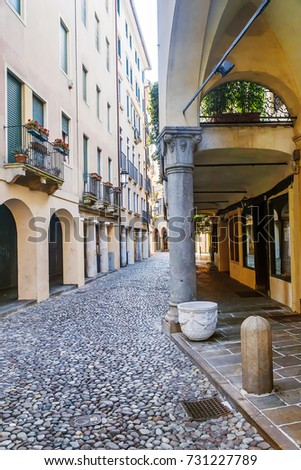 old narrow streets of the city of Padua, Italy