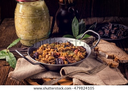 Old Polish traditional bigos