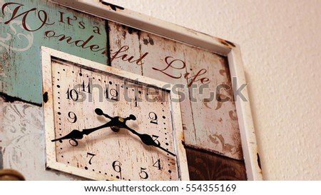 Old style grungy clock