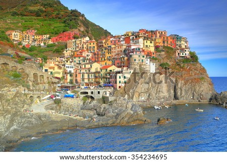 Old village located on tall cliffs above the sea, Manarola, Cinque Terre, Italy