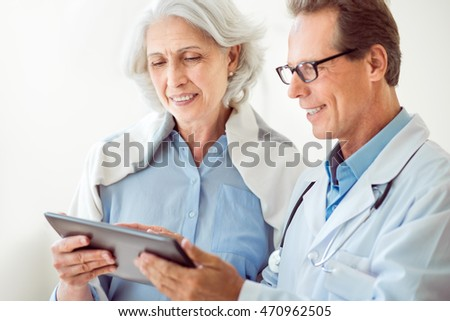 Old woman and young doctor