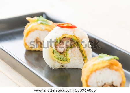 omelet sushi roll - japanese food style